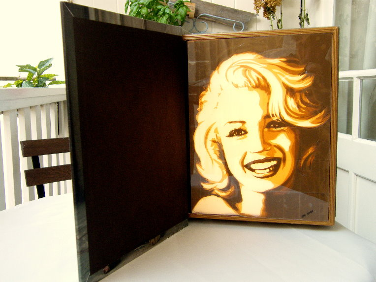 Box - Marilyn book - website